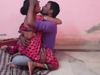Hot desi shortfilm 346 - Boobs kissed hard in blouse & pressed, smooch