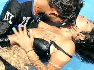 Hot desi shortfilm 218 - Boobs squeezed, kissed, press in pool, nipple peek