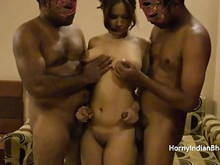 Open minded amateur Indian bhabhi having a threesome sex