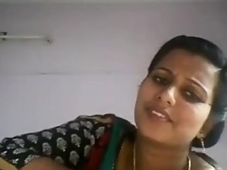 south indian aunty showing her BIG boobs