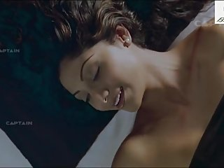 Shilpa Shetty & Manoj Bajpayee Hot Romantic Scene in Fareb