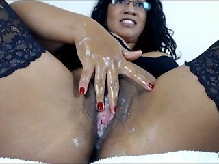 Solli Bhabhi will make you cum while she play with you part 1