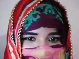 Hindu Brahmin girl wears burka and says she will become Muslim