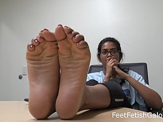 Indian College Petite Wrinkled Feet Soles & Toes