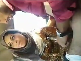 Muslim Sex In Car with Outdoor hardsex