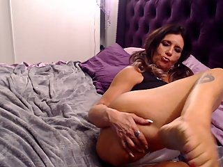SPREADEAGLE- PUSSY indian giver