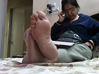 Candid Indian Wife phonesoles